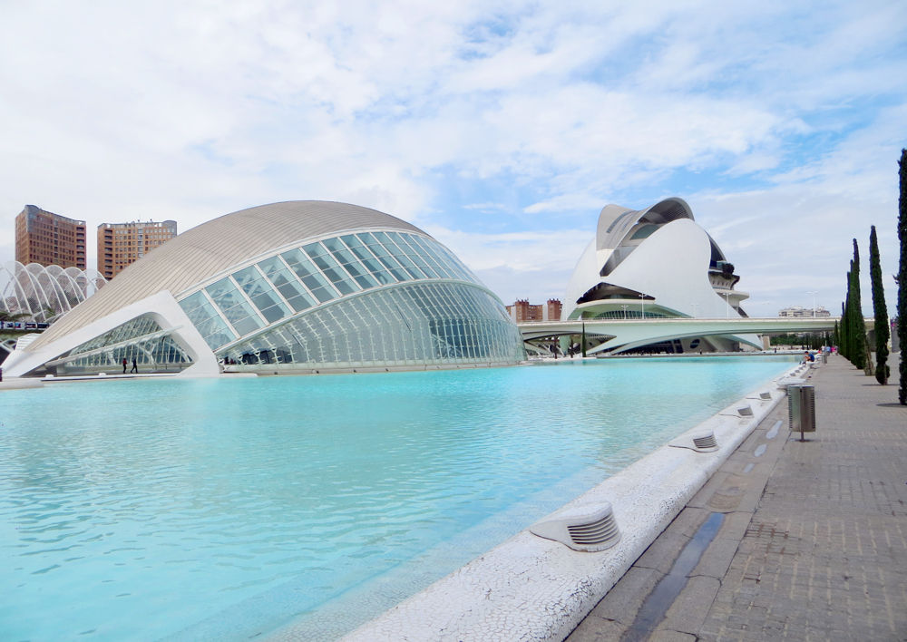Futuristic architecture of L'Hemisfèric & El Palau de les Arts Reina Sofia, City of Arts and Sciences, Valencia, Spain.