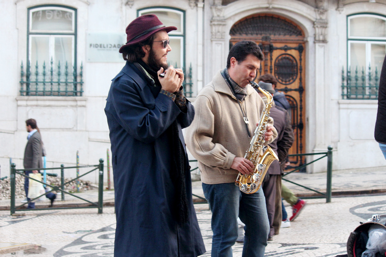 Buskers outside of Café A Brasileira located on Rua Garrett - Chiado, Lisbon - Portugal.