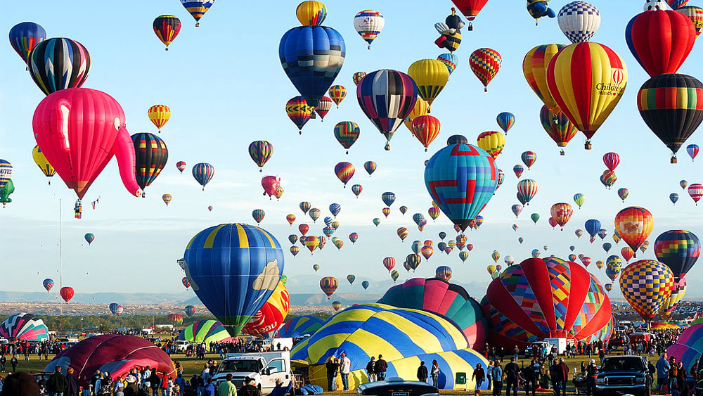 10 of the Best Places in the World to go Hot Air Ballooning: Albuquerque International Balloon Fiesta, New Mexico, USA.