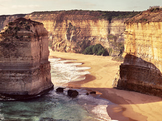 DESTINATIONS AUSTRALIA ​Awesome Attractions from Coast to Coast.