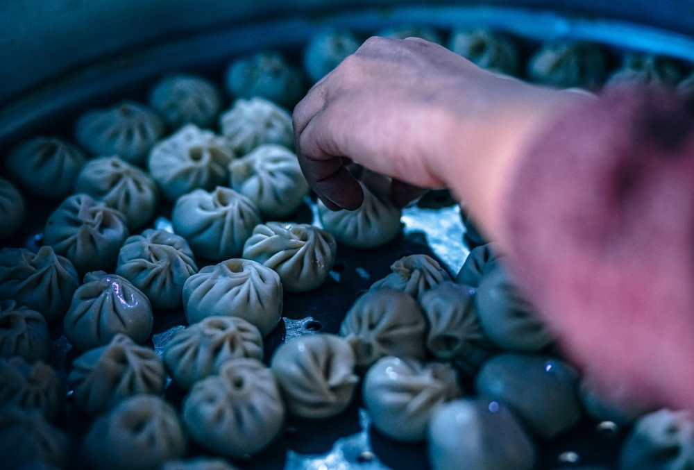 How to Stay Healthy (and Safe) When Spending Time in China - Street Food - Dumplings.
