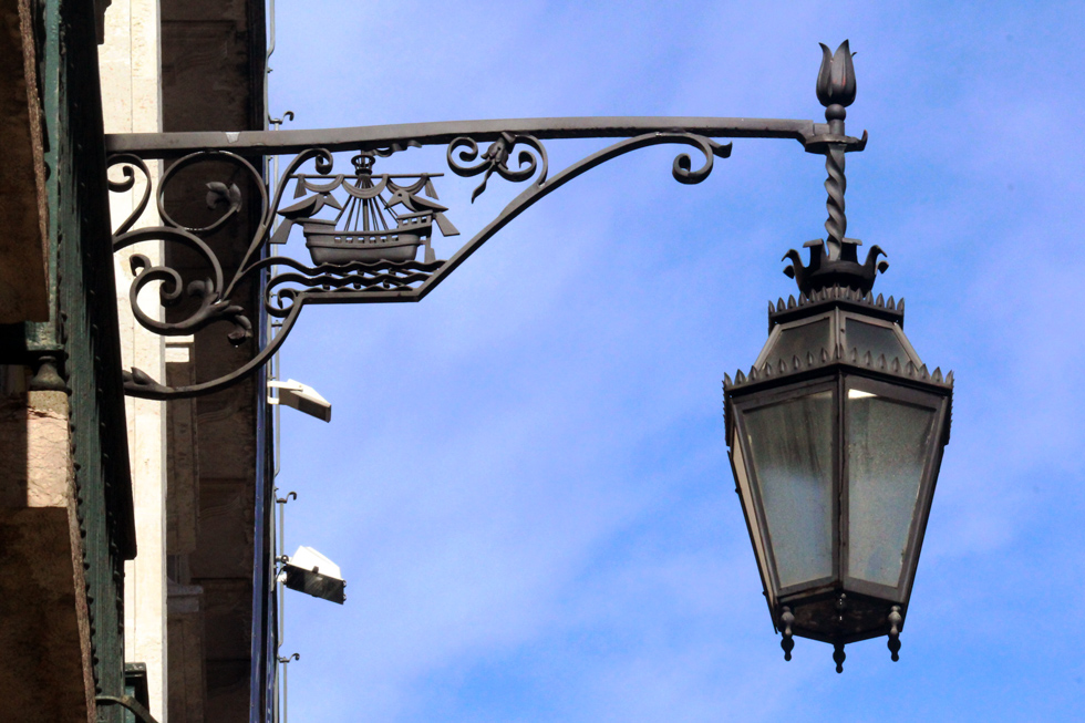 Lisbon street lamp/ lighting - Portugal.
