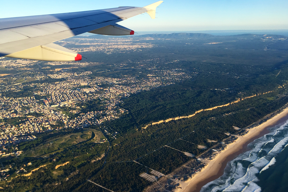 Reaching Portugal en route from Heathrow - Landing in Lisbon - Tilytravels