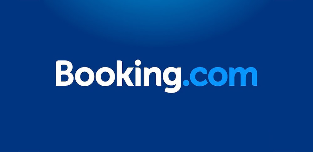 Booking.com accommodation search banner