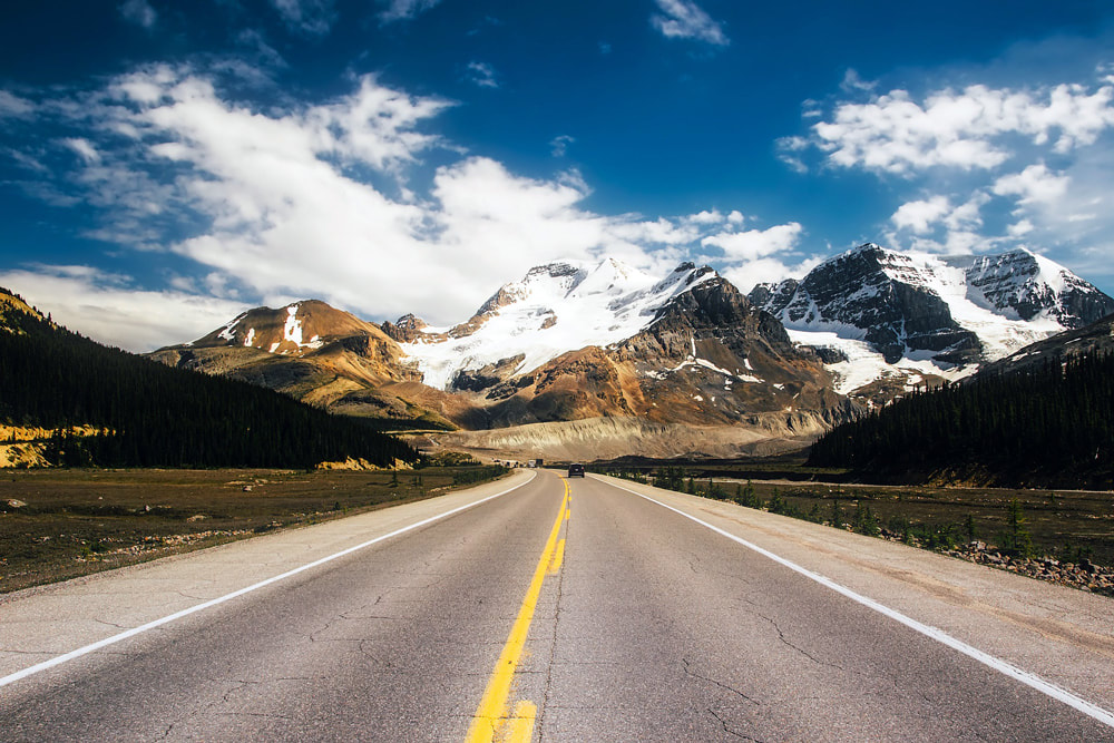 Which Countries Are the Best for Driving? Icefields Parkway, Banff National Park, Canada.
